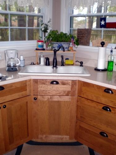 Corner Sink Kitchen Cabinet : Custom Corner Sink Base Custom Cabinetry 42