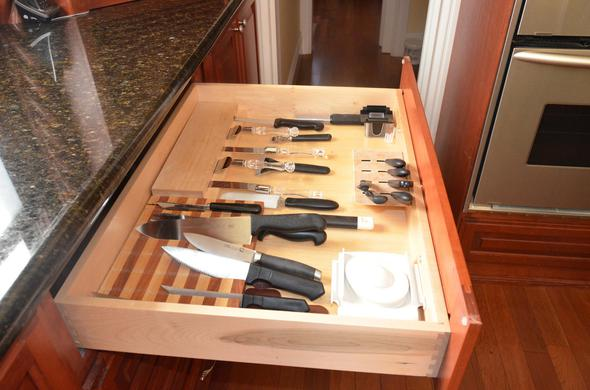 Custom knive drawer