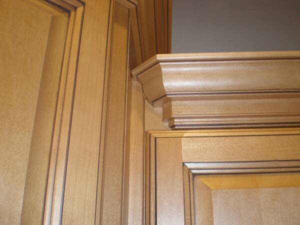 crown molding on staggered height cabinets 1